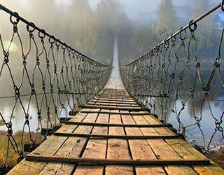 Мост над водой