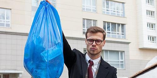 выкидывать отходы