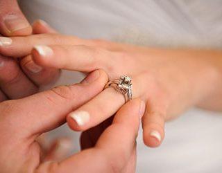 Собираться замуж