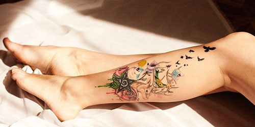 татуировка на ноге
