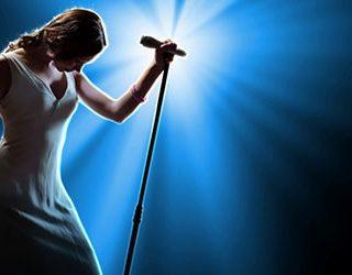 Сонник выступать на сцене