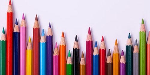много карандашей