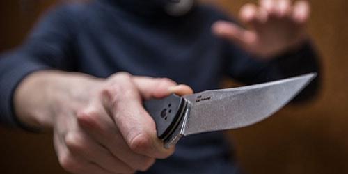 бандит с ножом