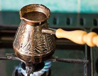 Варить кофе