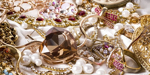 Получать в подарок золотые украшения во сне к чему 579