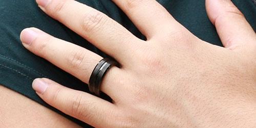 черное обручальное кольцо