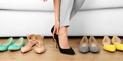 переобуваться в туфли