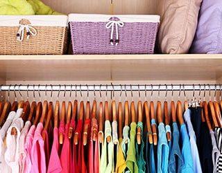 Сонник шкаф с одеждой