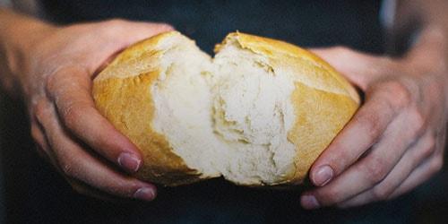 украсть хлеб
