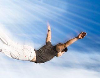 Летать над людьми
