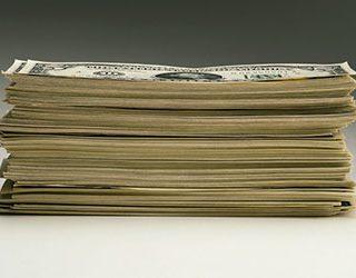 Пачка бумажных денег