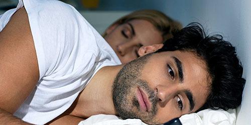 постель с мужчиной во сне
