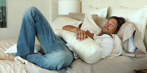 к чему снится женщине постель с мужчиной