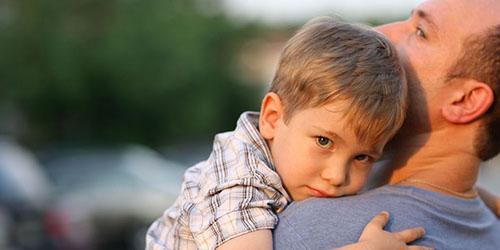 ребенок на руках