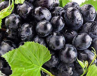 К чему снится черный виноград?