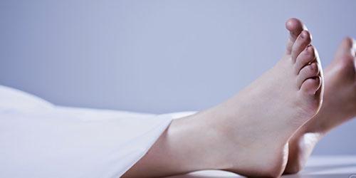 ноги покойника