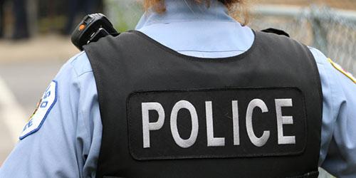 женщина полицейский