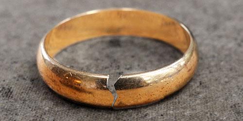 лопнувшее обручальное кольцо