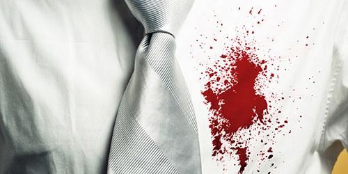 кровь на одежде