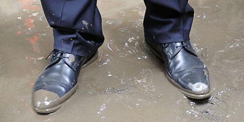 испачканная обувь