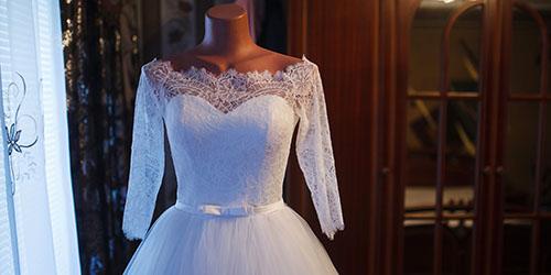 платье на манекене