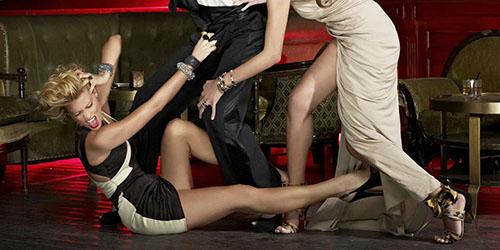 Драться с женщиной – в соннике толкуется как интерес мужчины к противоположному полу.