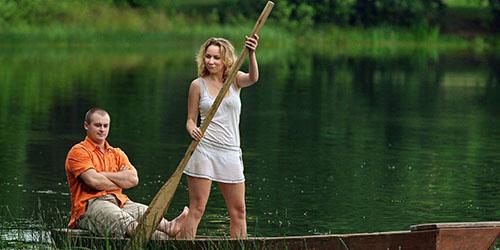 женщина с веслом