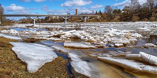 ледоход на реке