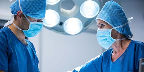 к чему снится кровь во время операции