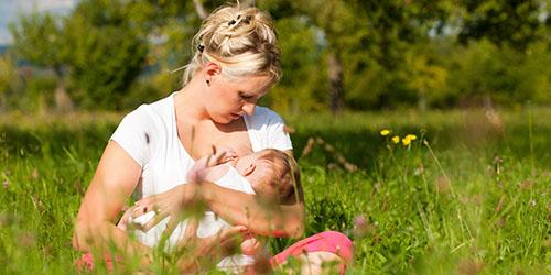 кормить грудью ребенка во сне
