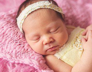 К чему снится новорожденная девочка?