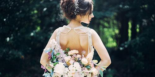 Приснилось открытое свадебное платье